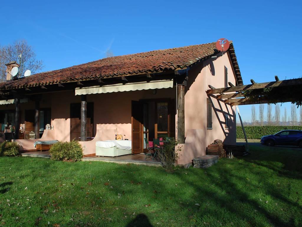 Foto 1 di Appartamento Via Fraschetta, Cherasco