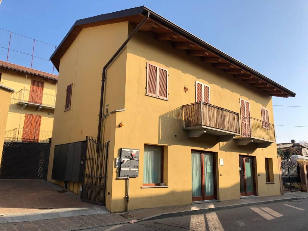Foto 1 di Appartamento Via Oscar Milano, Sanfrè