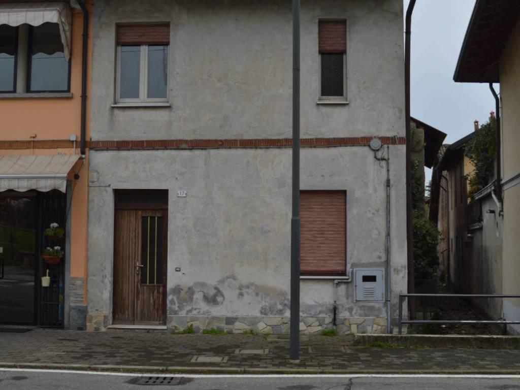 foto  3-room flat via Vittorio Emanuele, Bernate Ticino