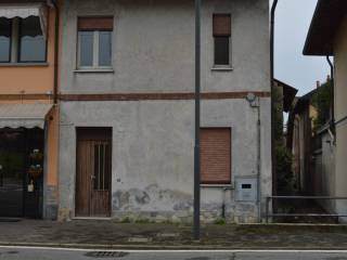 Foto - Trilocale via Vittorio Emanuele, Bernate Ticino