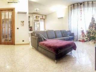 Foto - Quadrilocale ottimo stato, secondo piano, La Villa, Campi Bisenzio
