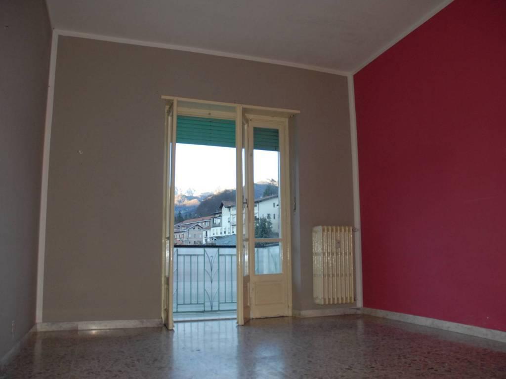 foto camera 3-room flat via Nazionale 73, Villar Perosa