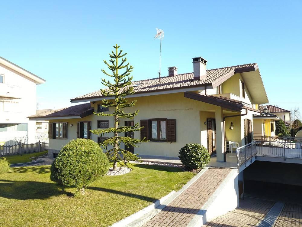 Foto 1 di Villa Piazza Grande16, Vignolo