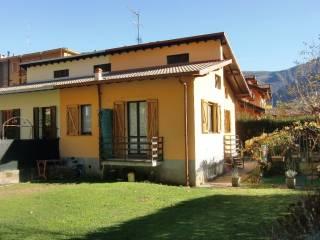 Foto - Casa indipendente via Alcide De Gasperi, Scarenna, Asso