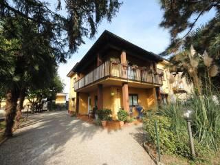 Case Piccole Con Giardino : Case con giardino in vendita oleggio immobiliare