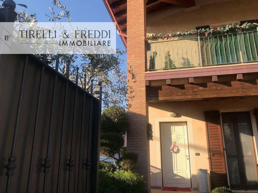 foto PIC Villa bifamiliare via Giovanni Paolo II, Rodengo Saiano