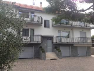 Foto - Palazzo / Stabile quattro piani, ottimo stato, Castelferretti, Falconara Marittima