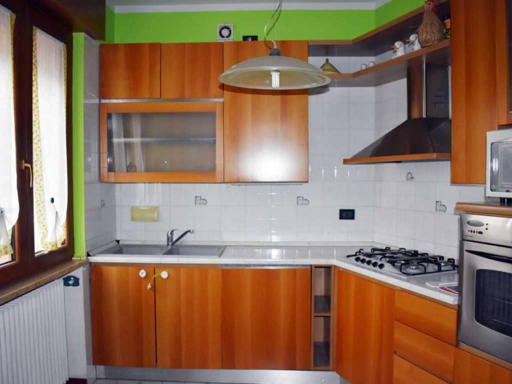 foto  Appartamento buono stato, primo piano, Montecchio Maggiore