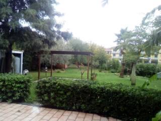 Case Piccole Con Giardino : Case con giardino in vendita san giovanni la punta immobiliare