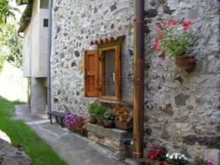 Foto - Trilocale ottimo stato, piano terra, San Pietro D'orzio, San Giovanni Bianco
