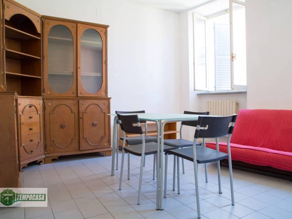 foto salone Trilocale via Francesco Podesti, Ancona