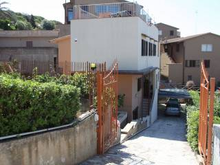 Case Piccole Con Giardino : Case con giardino in vendita piombino immobiliare