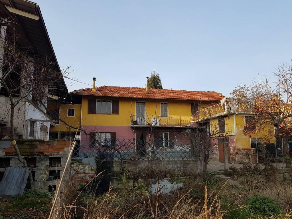 foto  Farmhouse, to be refurbished, 160 sq.m., Villafalletto
