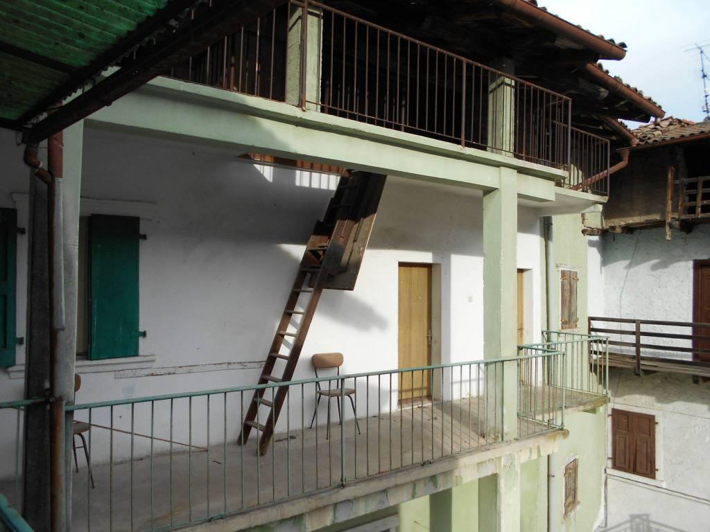 foto  Casa indipendente 257 mq, da ristrutturare, Dro