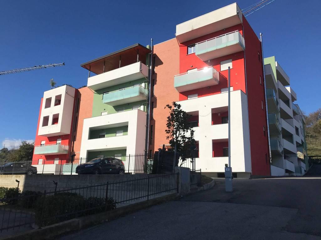 foto condominio Trilocale via Santa Maria di Settimo, Montalto Uffugo