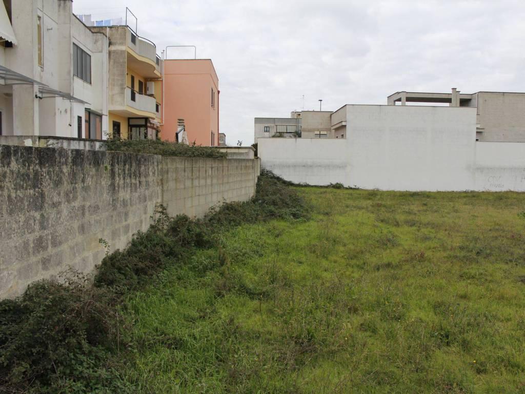 foto  Terreno edificabile residenziale a Lizzanello