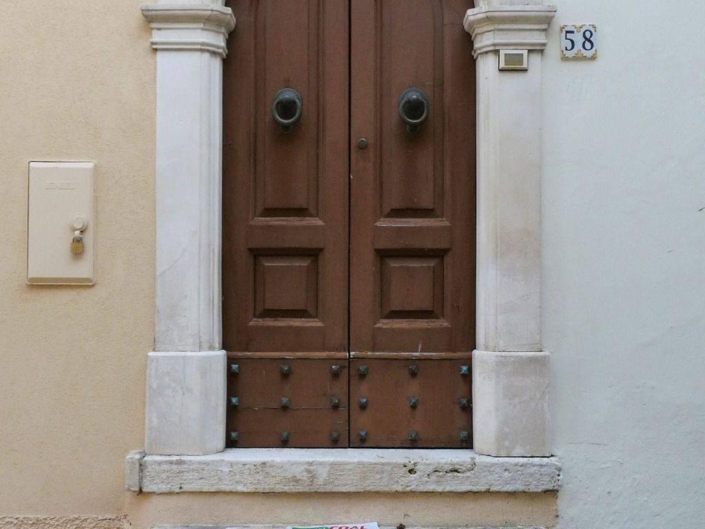 foto  Casa colonica via Duca degli Abruzzi, Caramanico Terme
