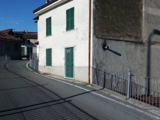 Foto - Casa indipendente via Ambrogio Doria 99, Montaldeo