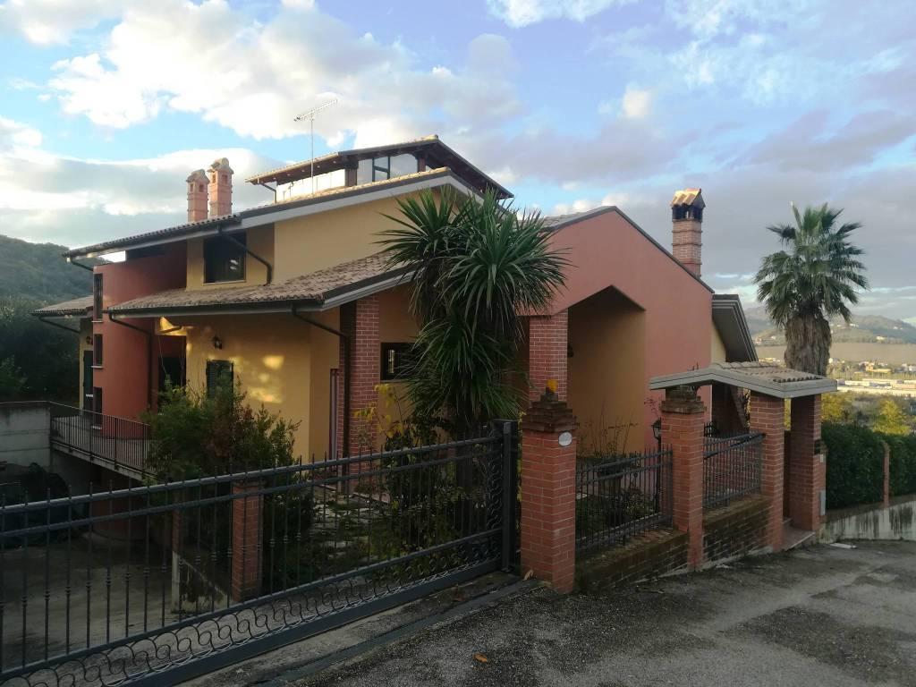 foto  Single family villa, excellent condition, 380 sq.m., Cellino Attanasio
