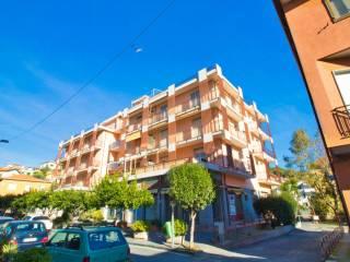 Foto - Trilocale via Sant'Ambrogio 16, Andora