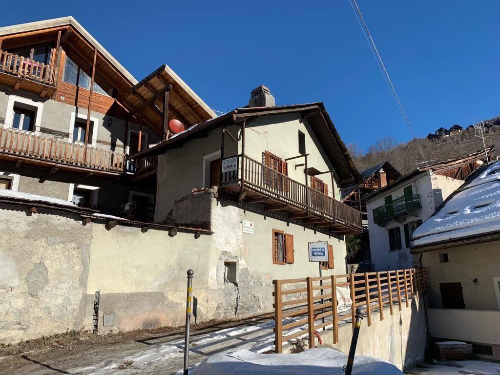foto Esterno Cabin, excellent condition, 110 sq.m., Cesana Torinese