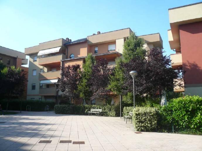 foto  Appartamento all'asta via Giuseppe dossetti 8, Tavazzano con Villavesco