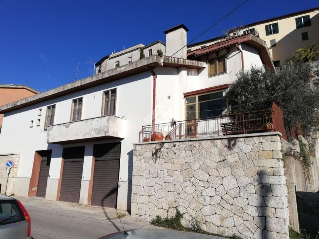 foto  Single family villa Circonvallazione Portadini, 47, Alatri