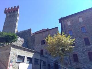 Foto - Quadrilocale via del Castello, Passignano sul Trasimeno