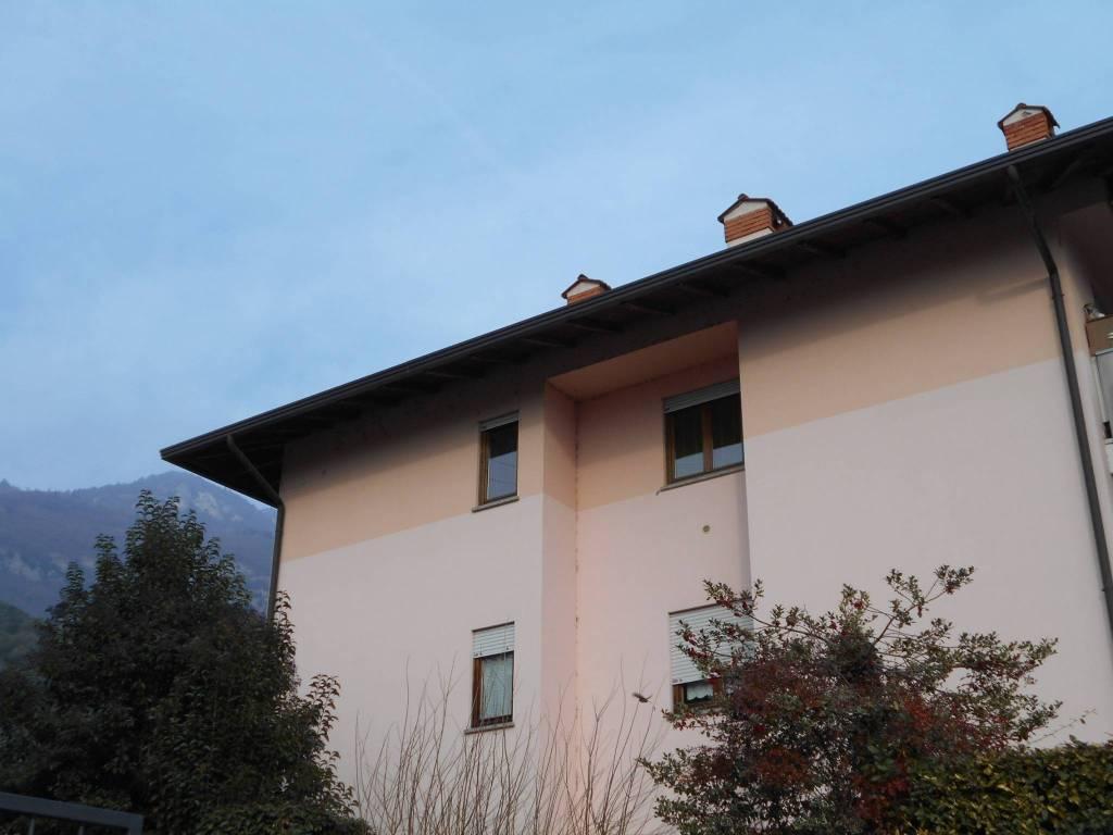 foto  Trilocale buono stato, secondo piano, Arco