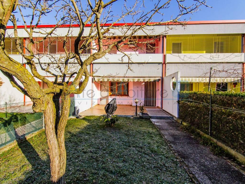 foto  Villa a schiera, buono stato, Piove di Sacco