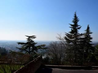 Photo - Building via Borgo Canale, Colli, Bergamo