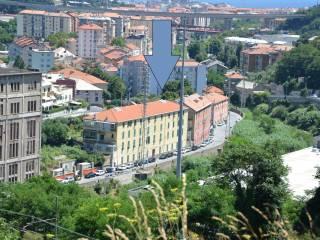 Foto - Trilocale via Santuario 30, Lavagnola, Savona