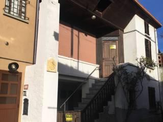 Foto - Casa indipendente via Cesare Battisti 22, Donato
