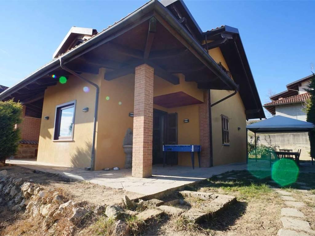 foto  Multi-family villa, excellent condition, 300 sq.m., Marentino