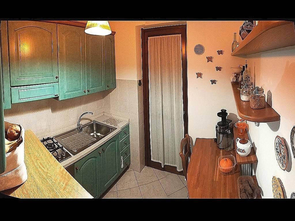 foto DETTAGLI 3-room flat via 4 Novembre, Grezzago