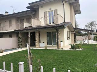 Foto - Villetta a schiera 4 locali, ottimo stato, Castelli Calepio