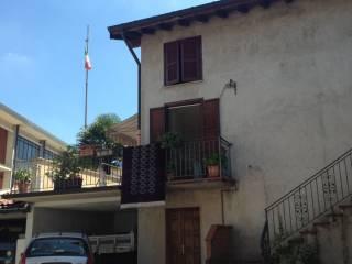 Foto - Palazzo / Stabile via Nino Bixio, Malnate