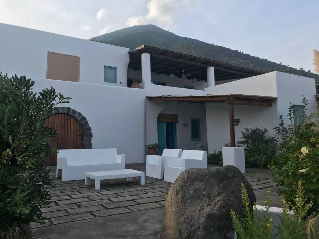foto FACCIATA Single family villa, good condition, 195 sq.m., Santa Marina Salina