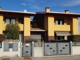 Foto - Villa bifamiliare piazza Giacomo Matteotti 2, Castel Goffredo