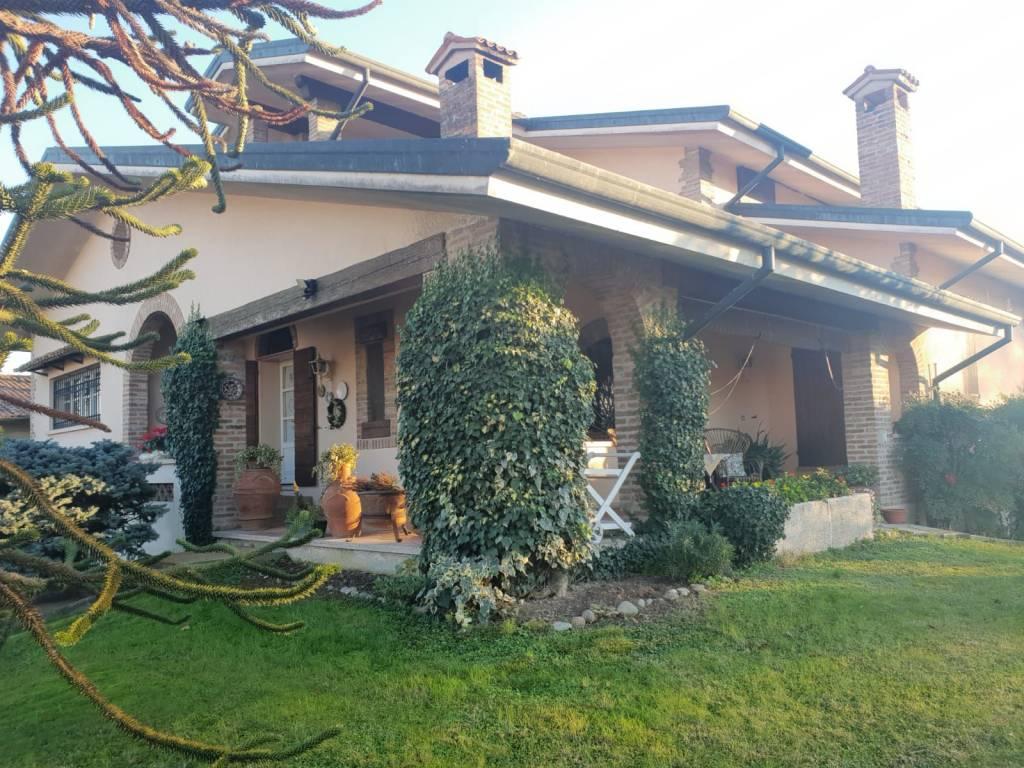foto  Single family villa, good condition, 332 sq.m., Bagnolo San Vito