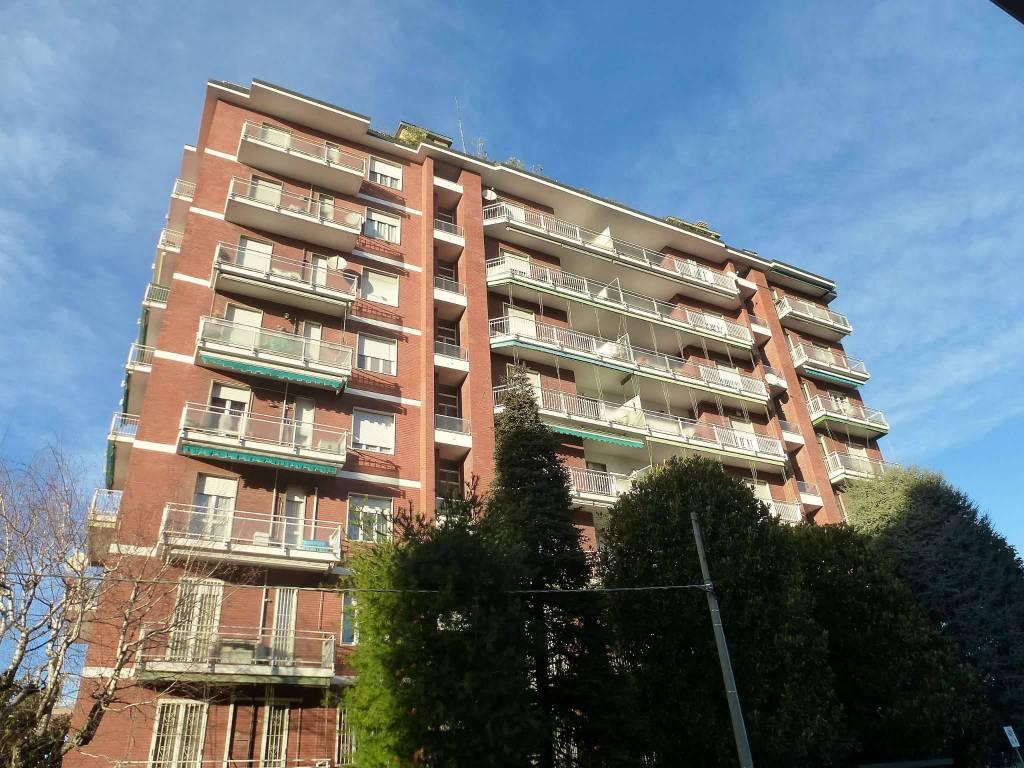 foto  Bilocale via Cavour, Novate Milanese