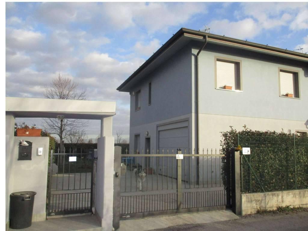foto ESTERNO Villa unifamiliare via mulino, Fornovo San Giovanni