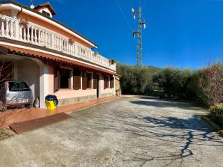 Foto - Trilocale Strada Ciosa, Caramagna Ligure, Imperia