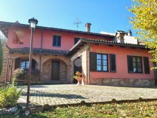 Foto - Casa indipendente via Guglielmo Marconi, Diano d'Alba