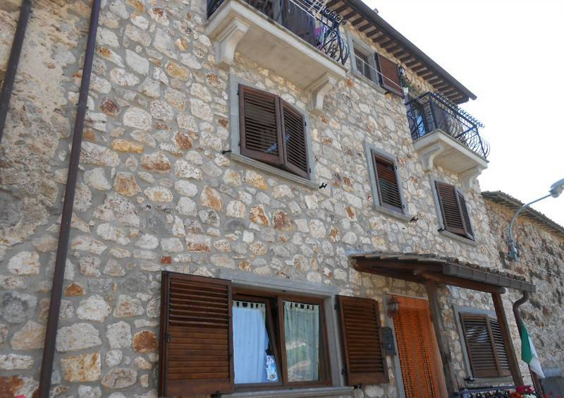 foto STABILE Single-family townhouse 150 sq.m., excellent condition, Tolfa