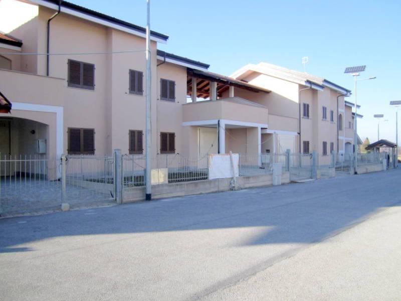 Foto 1 di Quadrilocale Via Santa Croce, Vignolo