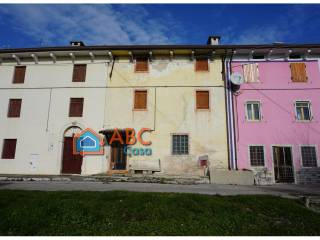 Photo - Country house, to be refurbished, 150 sq.m., Crespadoro