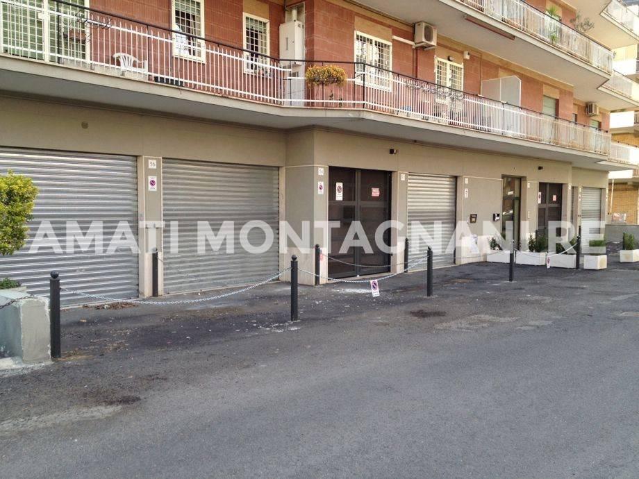 foto immagine Box - Garage via del Fontanile Nuovo 48, Roma