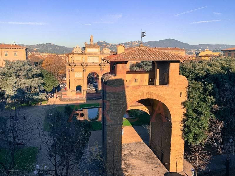 foto vista Trilocale piazza della Libertà, Firenze