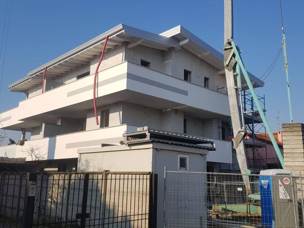 Camere Da Letto Nava.Vendita Appartamento Busto Garolfo Trilocale In Via Col Di Nava